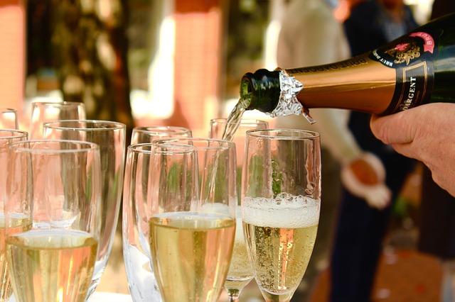 10082018_cava_champagne_es_lo_mismo