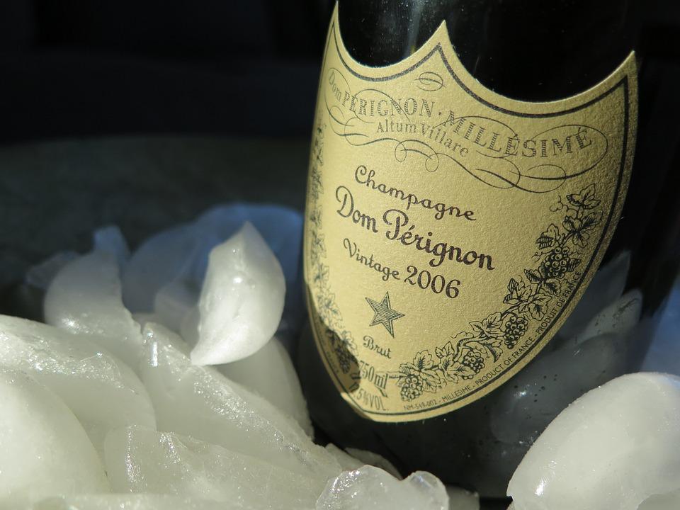 etiqueta del champagne