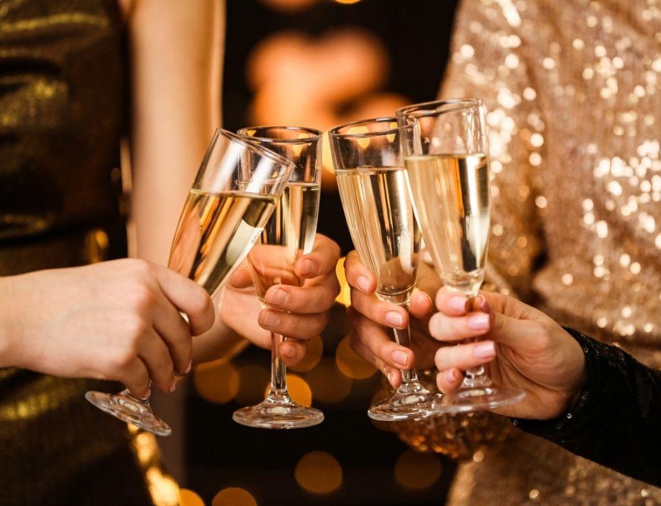 brindar con champagne